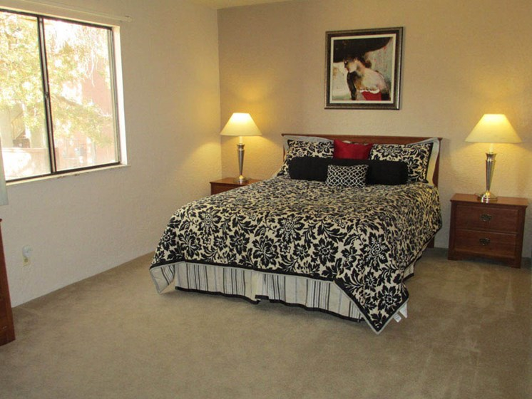 Spacious Bedrooms At Mission Hill Apartments In Albuquerque New Mexico