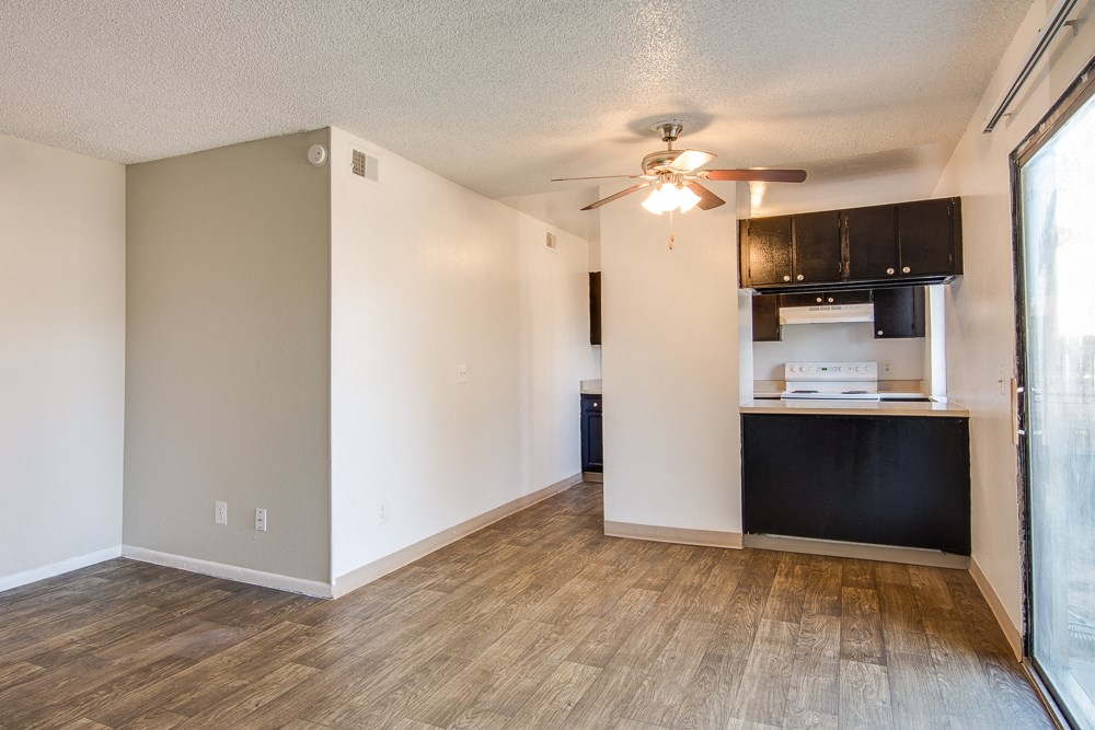Apartments in Aurora, CO dining