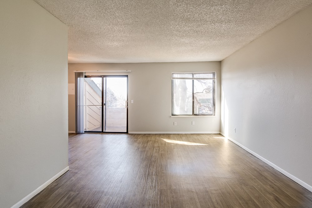 Apartments in Aurora, CO living room