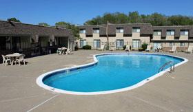 Pool at Kansas City Apartments