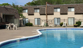 Outdoor Pool at Knollwood Apartments in Kansas City