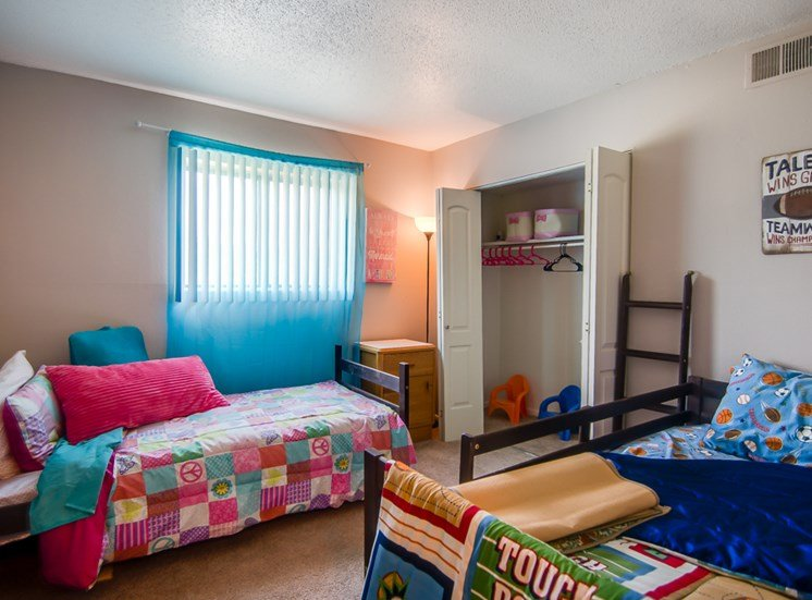 Family and kid friendly at Knollwood Apartments in Kansas City, MO and in North Kansas City, MO