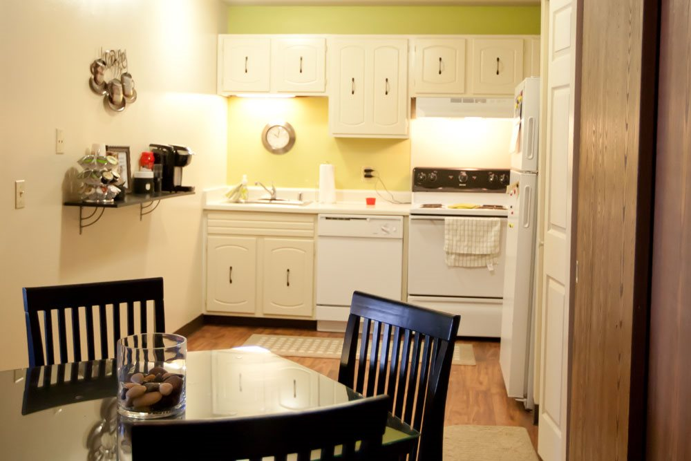 Photos And Video Of Glenbrook Apartments In North Milwaukee Wi