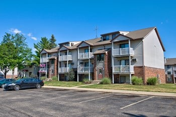 4243 Forest Creek Court SE 2 Beds Apartment for Rent Photo Gallery 1