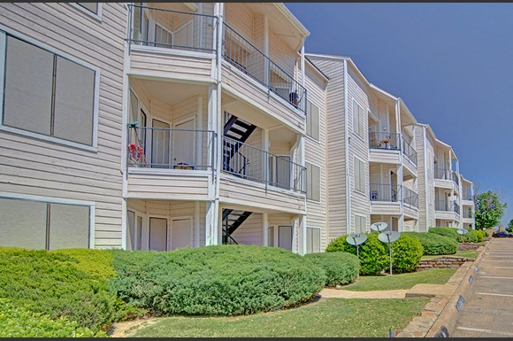 Faulkner Point Apartments