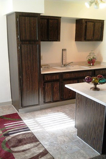 5555 E 14TH ST Studio-2 Beds Apartment for Rent Photo Gallery 1