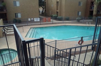 520 W PRINCE RD 1-2 Beds Apartment for Rent Photo Gallery 1