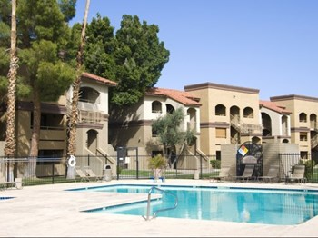 1415 N COUNTRY CLUB DR 1-2 Beds Apartment for Rent Photo Gallery 1