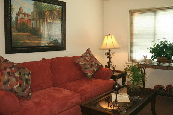 Photos and video of oxford village townhomes in amherst ny for Amherst family room