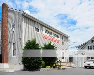 Storage Units for Rent available at 3511 Victory Blvd, Staten Island, NY 10314 Photo Gallery 1