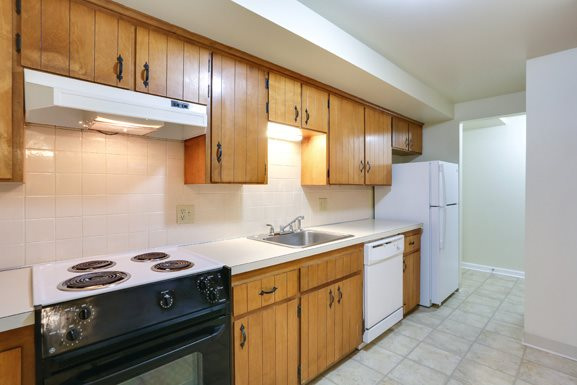 Sheridan Drive Apartments Tonawanda - Fully Applianced Kitchen