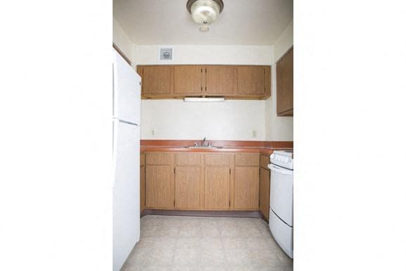 The Roosevelt Apartments, Buffalo - Kitchen