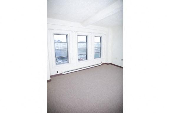 The Roosevelt Apartments, Buffalo - Living Room