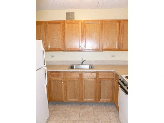 Peppertree Heights - Senior Apartments - Kitchen