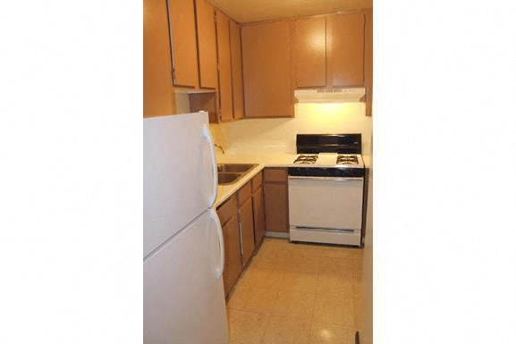 Parkside Apartments - Fully Applianced Kitchen