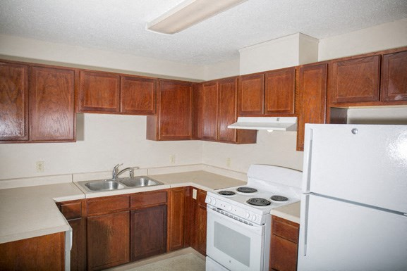 Ellicott Homes, Buffalo Apartments - Kitchen
