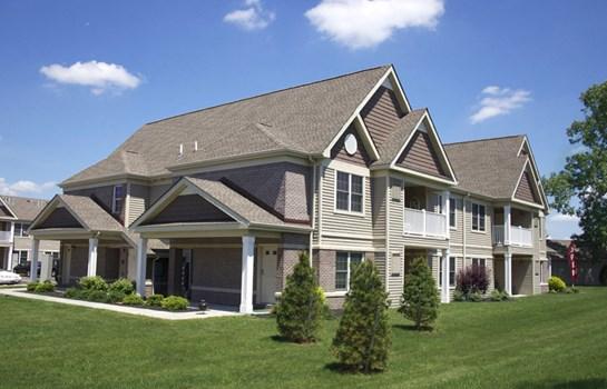 Deer Lakes Apartments Community Thumbnail 1