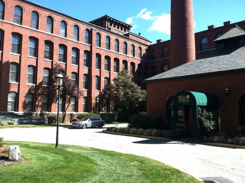 Royal Worcester Apartments in Worcester MA