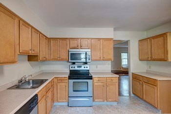 2093 Ocean Street 1-2 Beds Apartment for Rent Photo Gallery 1