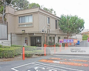 Storage Units for Rent available at 5544 West Centinela Avenue, Los Angeles, CA 90045 Photo Gallery 1