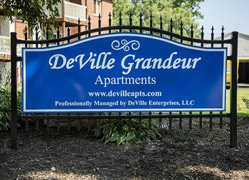 2100 Tennyson Ave NE 1-2 Beds Apartment for Rent Photo Gallery 1