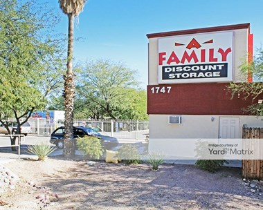 Storage Units for Rent available at 1747 South Swan Road, Tucson, AZ 85711 Photo Gallery 1