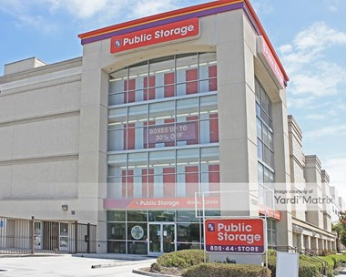 Storage Units for Rent available at 12681 West Jefferson Blvd, Los Angeles, CA 90066 Photo Gallery 1