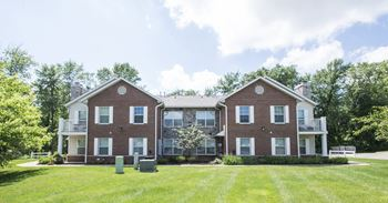 2601 Woodlawn Circle NW 1-3 Beds Apartment for Rent Photo Gallery 1