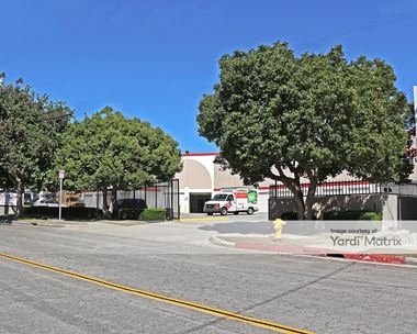 Storage Units for Rent available at 20428 Earl Street, Torrance, CA 90503 Photo Gallery 1