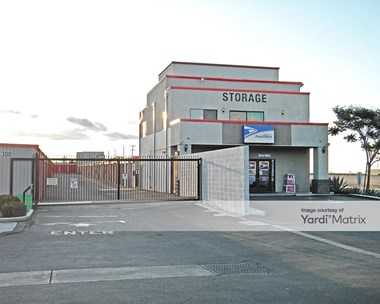 Storage Units for Rent available at 13755 Seneca Road, Victorville, CA 92392 Photo Gallery 1