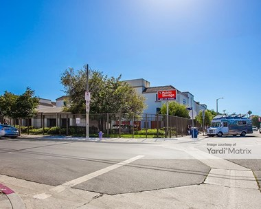 Storage Units for Rent available at 315 South 4Th Avenue, Venice, CA 90291 Photo Gallery 1