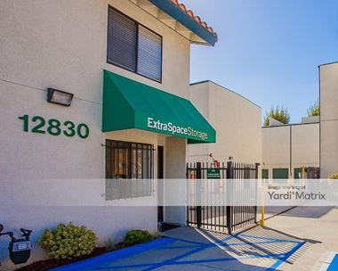 Storage Units for Rent available at 12830 Roselle Avenue, Hawthorne, CA 90250 Photo Gallery 1