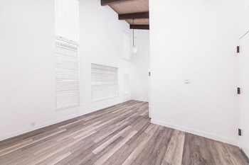 1235 17Th Avenue 1-2 Beds Apartment for Rent Photo Gallery 1