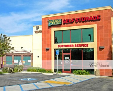 Storage Units for Rent available at 13879 Central Avenue, Chino, CA 91710 Photo Gallery 1