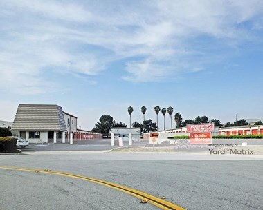 Storage Units for Rent available at 14861 Franklin Avenue, Tustin, CA 92780 Photo Gallery 1