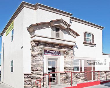 Storage Units for Rent available at 1401 North Harbor Blvd, Santa Ana, CA 92703 Photo Gallery 1