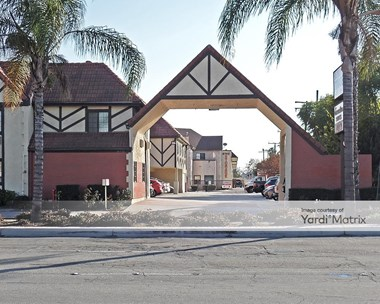 Storage Units for Rent available at 6742 Westminster Blvd, Westminster, CA 92683 Photo Gallery 1
