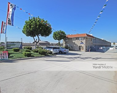 Storage Units for Rent available at 13633 Rosecrans Avenue, Santa Fe Springs, CA 90670 Photo Gallery 1
