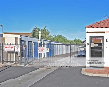 Storage Units for Rent available at 13982 North 67Th Avenue, Glendale, AZ 85306 Photo Gallery 1