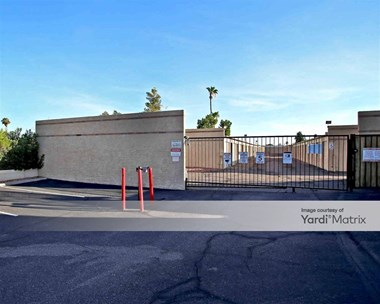 Storage Units for Rent available at 6718 West Greenway Road, Peoria, AZ 85381 Photo Gallery 1