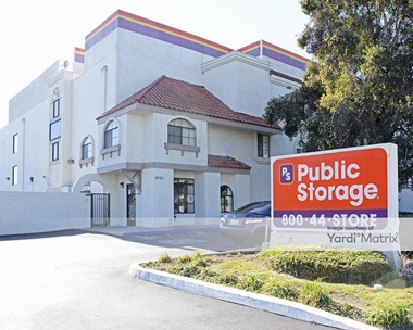 Storage Units for Rent available at 3752 Cerritos Avenue, Los Alamitos, CA 90720 Photo Gallery 1