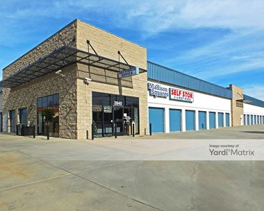 Storage Units for Rent available at 2845 West Lincoln Avenue, Anaheim, CA 92801 Photo Gallery 1