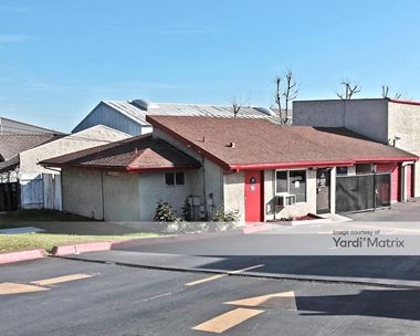 Storage Units for Rent available at 2828 West 5th Street, Santa Ana, CA 92703 Photo Gallery 1