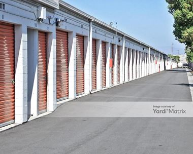 Storage Units for Rent available at 7660 Balboa Blvd, Van Nuys, CA 91406 Photo Gallery 1
