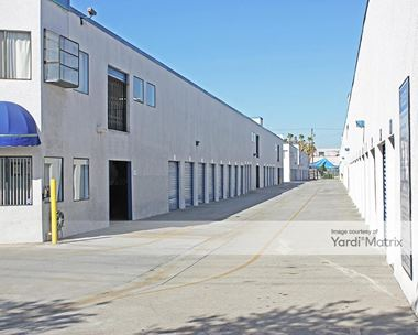 Storage Units for Rent available at 5961 Santa Fe Avenue, Huntington Park, CA 90255 Photo Gallery 1