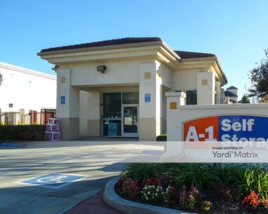 Storage Units for Rent available at 14908 Downey Avenue, Paramount, CA 90723 Photo Gallery 1