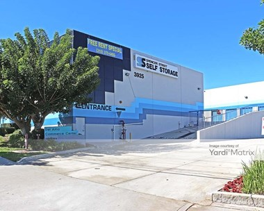 Storage Units for Rent available at 3925 Spencer Street, Torrance, CA 90503 Photo Gallery 1