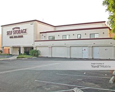 Storage Units for Rent available at 18019 Ventura Blvd, Encino, CA 91316 Photo Gallery 1
