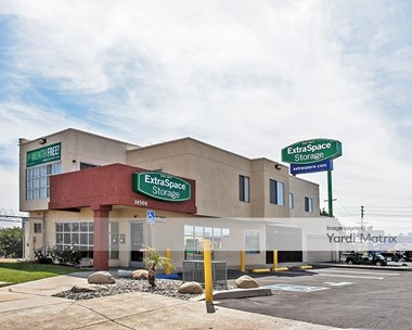 Storage Units for Rent available at 18500 Eddy Street, Northridge, CA 91324 Photo Gallery 1