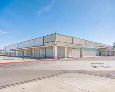 Storage Units for Rent available at 1810 West Avenue J, Lancaster, CA 93534 Photo Gallery 1